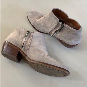 Sam Edelman low heel ankle booties 7 grey